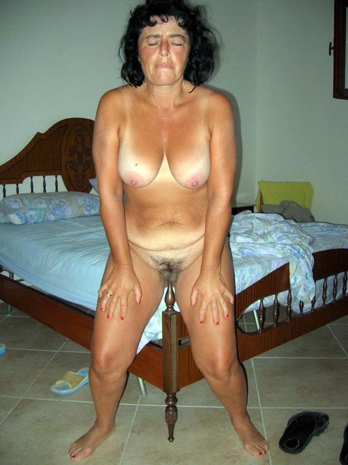 Home made naked woman