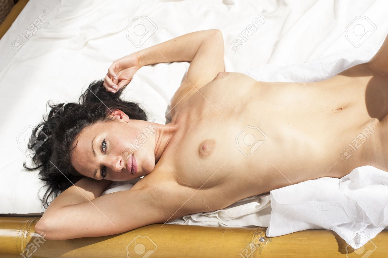 Lady naked photo in bed